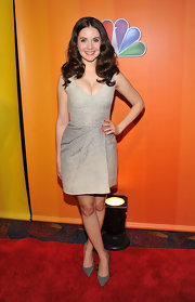 Alison Brie opted for a neutral palette with this taupe dress and gray pumps combo.