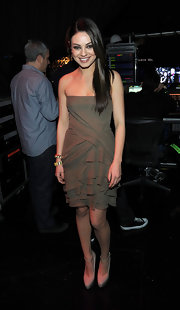 Mila wore a subdued taupe cocktail dress for the 2011 People's Choice Awards.