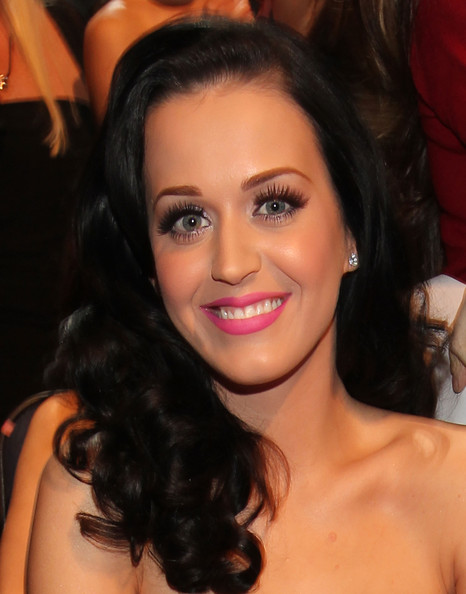 Katy+Perry in 2011 People's Choice Awards - Backstage And Audience