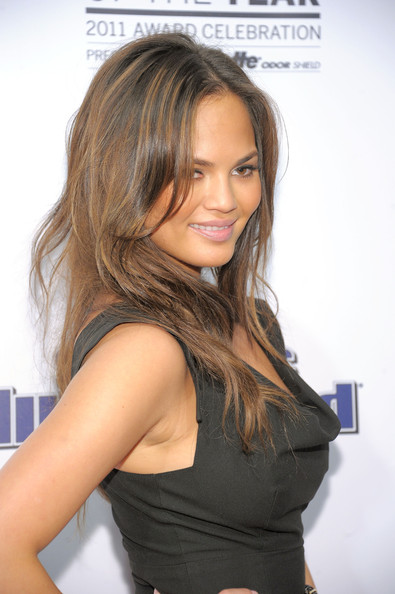 More Pics of Chrissy Teigen Layered Cut (1 of 7) - Chrissy Teigen Lookbook - StyleBistro