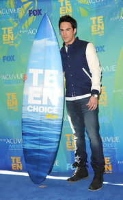 "Michael went casual at the Teen Choice Awards in a pair of ""Flynn"" skinny jeans."