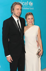 Dax Shepard looked very gentlemanly at the Unicef Ball in his handsome black tuxedo.