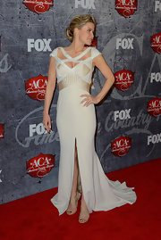 Carmn looked divine in this beaded gown with a center slit at the American Country Awards.