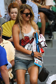 Victoria Azarenka watched the 2012 Australian Open Men's Final behind a pair of classic wayfarer sunglasses.