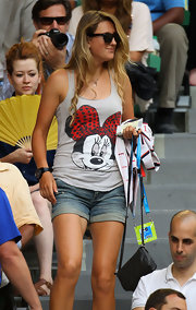 Victoria kept it casual in cuffed denim shorts while watching the 2012 Men's Australian Open Final in Melbourne.