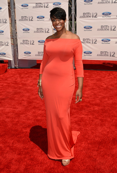 Jessica Reedy in an off-the-shoulder look