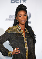 Brandy accessorized with this diamond cocktail ring at the BET Awards.