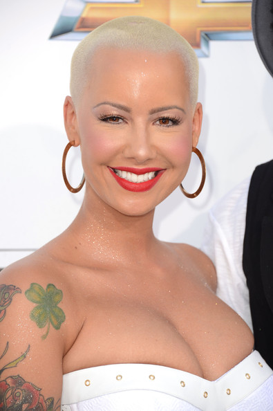More Pics of Amber Rose Bright Nail Polish (1 of 14) - Amber Rose Lookbook - StyleBistro