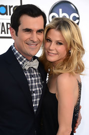 Julie Bowen accessorized with an exquisite pair of cushion cut diamond earrings for the 2012 Billboard Music Awards.