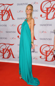Erin draped her body in this gorgeous aqua gown fit for a goddess!