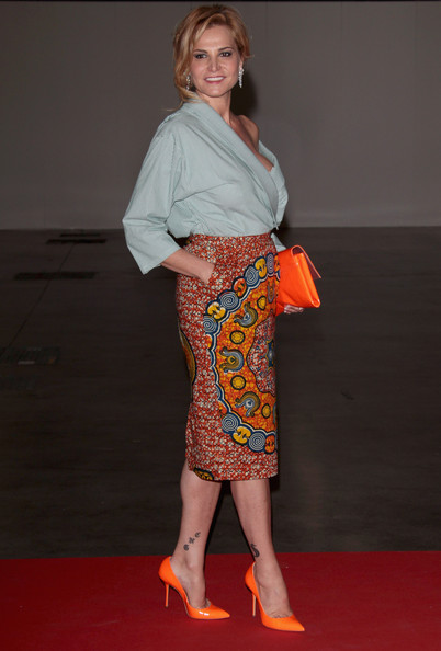 Simona Ventura's neon orange pointy pumps were an eye-catching addition to her outfit.