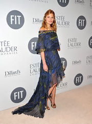 Constance Jablonski looked artistic in this whimsical print fishtail gown at the FIT benefit gala.