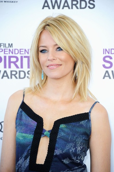 More Pics of Elizabeth Banks Medium Layered Cut (5 of 16) - Medium Layered Cut Lookbook - StyleBistro
