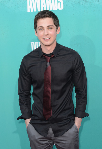 More Pics of Logan Lerman Button Down Shirt (1 of 3) - Logan Lerman Lookbook - StyleBistro