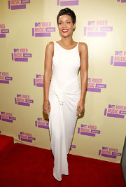 Rihanna looked maturely beautiful in this serene white gown at the MTV VMAs.