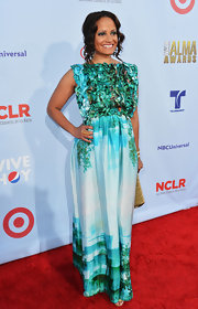 Judy Reyes wore a colorful ruffled evening dress on the red carpet of the ALMA Awards.