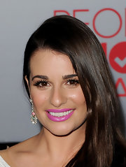Lea Michele wore a pop of bright shiny lipstick with a hint of iridescence at the 2012 People's Choice Awards.