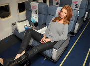 Cintia Dicker was caught on cam chilling and wearing a comfy sweater on her flight to Vegas.