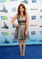 Ellie Kemper was a vision from the late '50s in this darling brocade fit-and-flare.