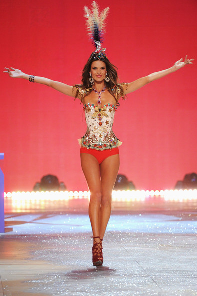 Victoria's Secret Fashion Show 2012 - Alessandra Ambrosio