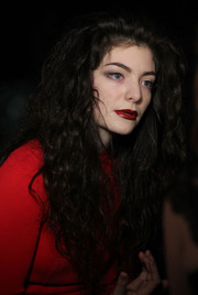 Lorde matched her lipstick to her outfit.