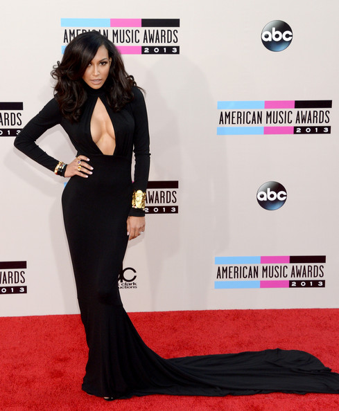 """Naya Rivera made us go """"Ooh la la"""" in a cleavage-baring black evening dress by Michael Kors during the American Music Awards."""