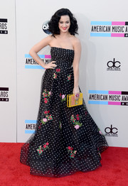 Katy Perry looked like a modern Scarlett O'Hara in this strapless polka-dot/floral gown by Oscar de la Renta during the American Music Awards.