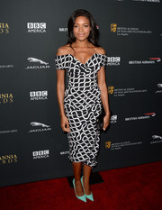 Naomie Harris looked quintessentially Vivienne Westwood in this black-and-white printed off-the-shoulder dress during the BAFTA LA Britannia Awards.