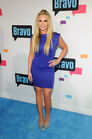 Tamra Barney chose this fitted purple dress with a cinched waist for her sleek red carpet look.