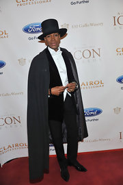 A long gray cape made Dwight Eubanks look suave and sophisticated at the ICON Awards.