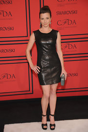 Linda Cardellini showed off her edgy side with this fitted leather dress, which she wore to the 2013 CFDA Fashion Awards.