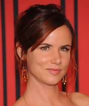 Juliette Lewis pinned up her auburn tresses with this slightly undone updo.