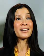 Lisa Ling highlighted her pretty peepers by sweeping on metallic gold eyeshadow and dramatic lashes during the Consumer Electronic Show.