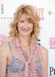 Laura Dern's blonde waves popped against her fair skin while at the Independent Spirit Awards.