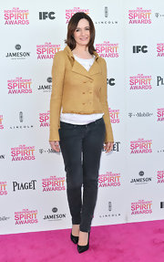 Emily Mortimer dressed up her skinny jeans with a double-breasted tweed blazer.