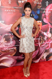 Jessica Szohr's ivory-colored bedazzled crystal frock was a sparkly and fun choice on the red carpet.