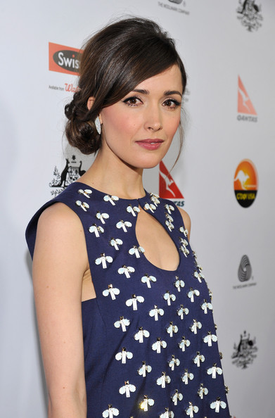 More Pics of Rose Byrne Loose Bun (1 of 22) - Rose Byrne Lookbook - StyleBistro