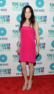 Mary-Louise Parker's hot pink strapless dress gave the actress a fun and bold red carpet look at the Joyful Heart Foundation Gala.