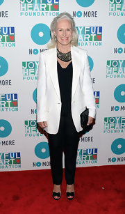 Glenn Close chose a sophisticated red carpet look when she paired this white blazer over an all black look.