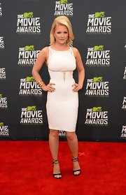 Carrie Keagan rocked a fitted white bandage dress at the 2013 MTV Movie Awards.