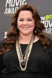 Melissa McCarthy looked stunning with cascading long curls.