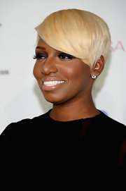 NeNe Leakes' sleek blonde locks looked stylish as ever at the Miss USA Pageant.
