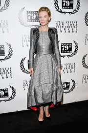 Cate Blanchett donned a silver Antonio Berardi dress with a matching bolero for the NY Film Critics Circle Awards.