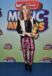 Bridgit showed her quirky style with this pink and blank printed pant.
