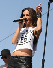 County crooner Jana Kramer looked edgy performing at the 2013 Stagecoach California's County Music Festival with a black leather wrist cuff bracelet.