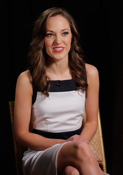 More Pics of Laura Osnes Long Wavy Cut (1 of 23) - Long Wavy Cut Lookbook - StyleBistro