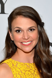 Sutton Foster pulled back her brunette tresses into a lovely half up, half down 'do!
