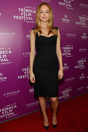 Heather Graham kept her red carpet look fairly simple but still totally sexy with this black dress with bustier-style top.