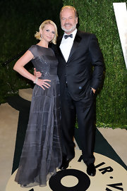 Kelsey Grammer looked flawless in his black tux at the 2013 Vanity Fair Oscar party.
