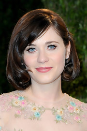 Pink quartz studs topped off Zooey Deschanel's dainty Oscar-party look.